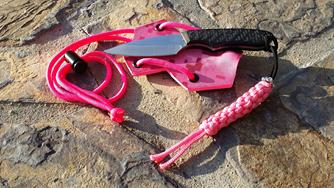 Neck Knive, Pink Camo